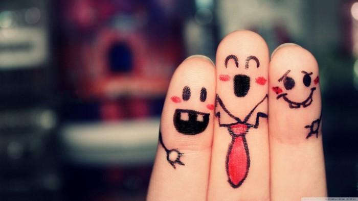 lovely_fingers-wallpaper-1366x768.jpg