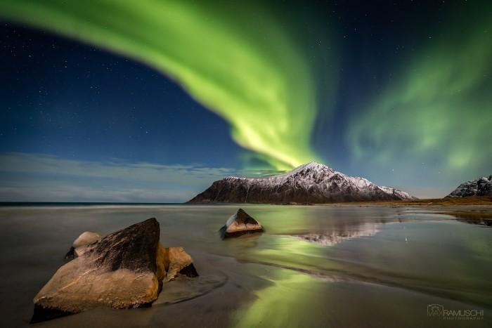 AuroraBeach2048.jpg