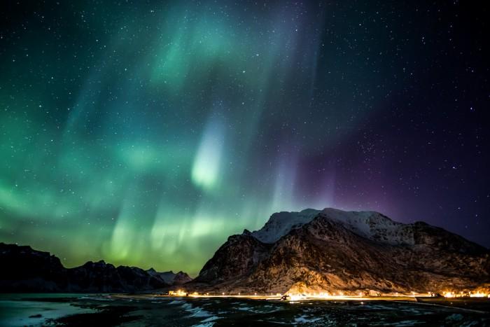 AuroraoverLofotenIslandsNorway.jpg