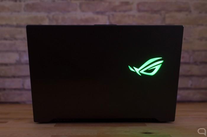 Asus-ROG-Strix-Hero-II-trasera-logo.jpg