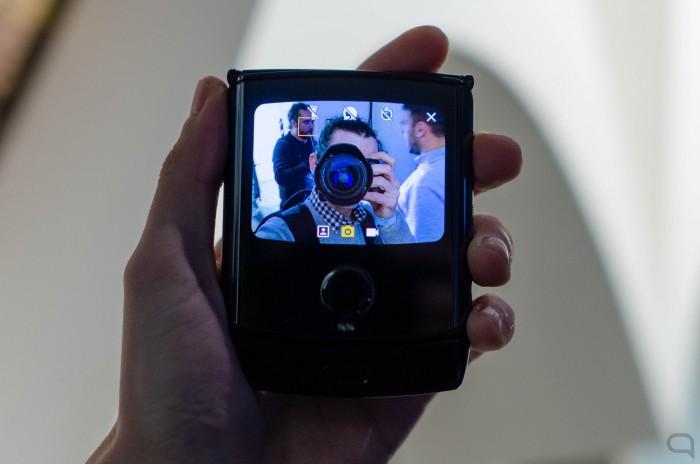 Motorola-Razr-selfie.jpg